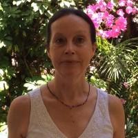 Angela Lukas